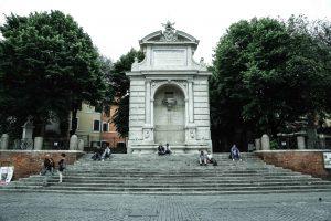 Fontana-Acqua-Paola-in-Piazza-Trilussa