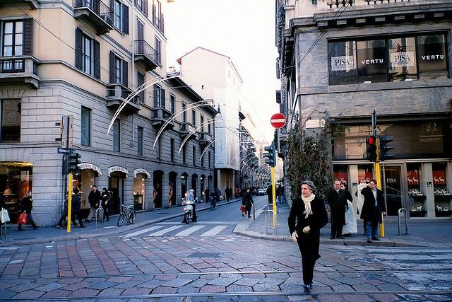 via-montenapoleone-via-maznoni